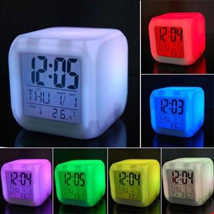 7 Renk Değiştiren Alarmlı ve Termometreli Saat