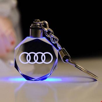 Audi Logolu Led Işıklı 3D Kristal Led Araba Anahtarlık