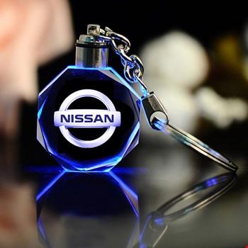 Nissan Logolu Led Işıklı 3D Kristal Led Araba Anahtarlık